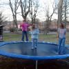 Tips: Slik unngår du trampolineulykker