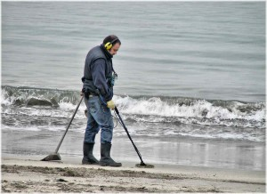 metalldetektor på stranda - bilde