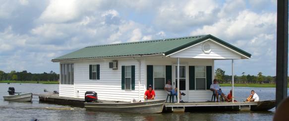 Bo i husbåt?