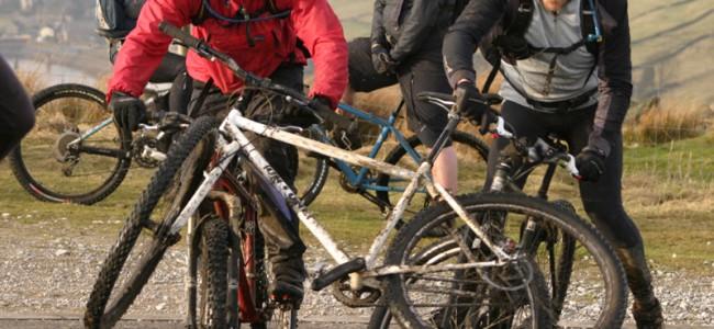 Hvordan spiser jeg FØR, UNDER og ETTER et sykkelløp? En enkel oversikt