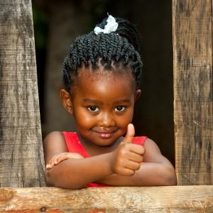 afrika-jente-fadder-lite