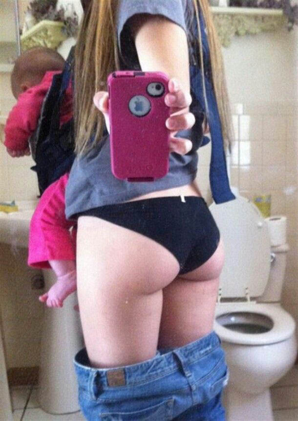 bad-mother-selfies-11