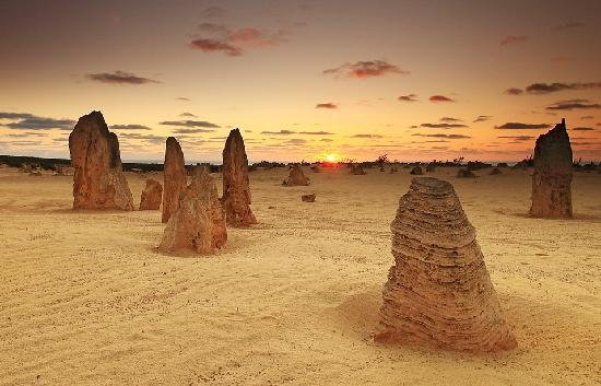 sunset-at-pinnacles-desert